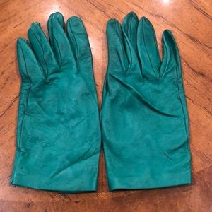Vintage bright green driving gloves.